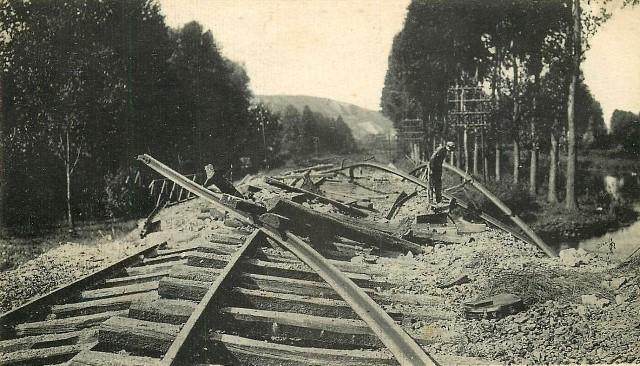Picquigny somme 1914 1918 la voie ferree cpa