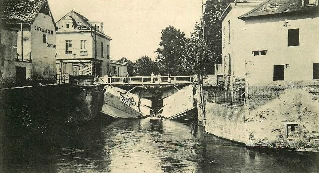 Picquigny somme 1914 1918 le pont detruit cpa