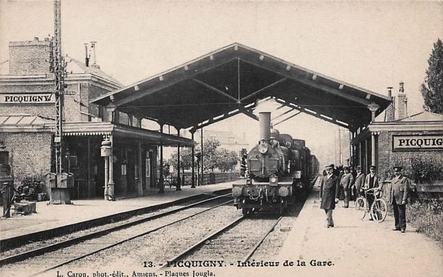 Picquigny somme la gare interieur cpa