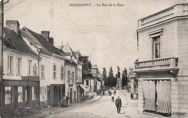 Picquigny somme la rue de la gare cpa