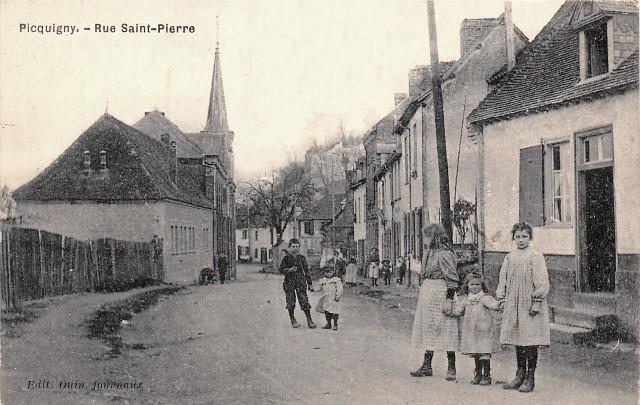 Picquigny somme la rue saint pierre cpa
