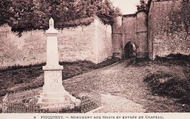 Picquigny somme le monument aux morts et la porte du gard cpa