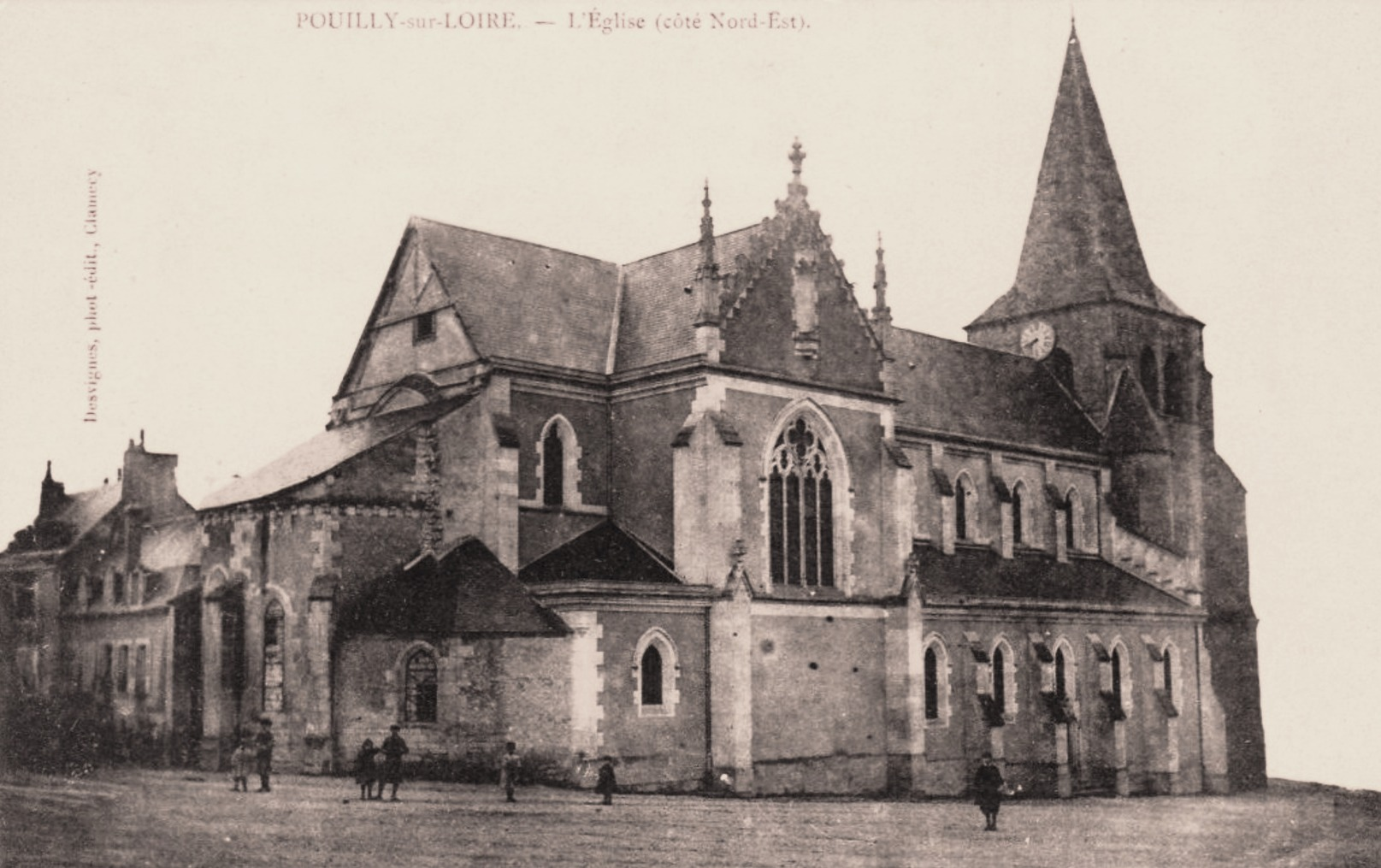 Pouilly-sur-Loire (Nièvre) L'église Saint Pierre CPA