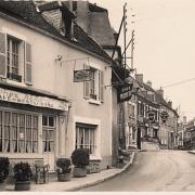 Pouilly-sur-Loire (Nièvre) Le restaurant chez Mémère CPA