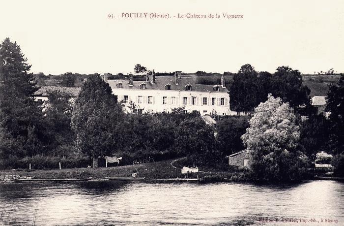 Pouilly-sur-Meuse (Meuse) Le château de La Vignette CPA
