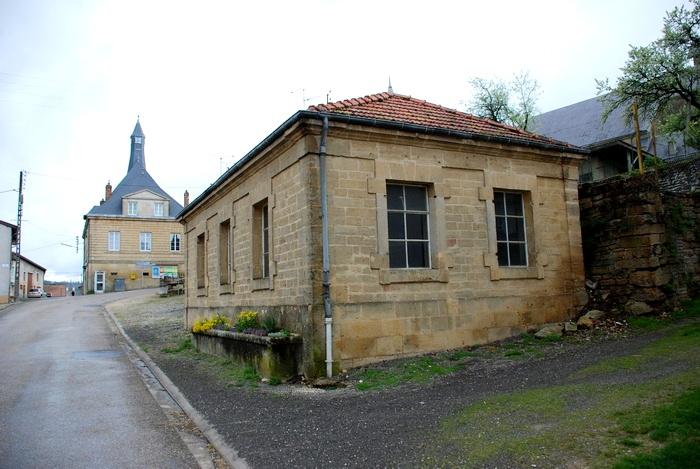 Pouilly-sur-Meuse (Meuse) Le lavoir