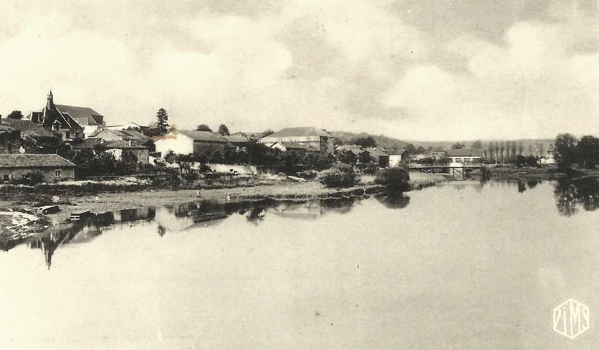 Pouilly-sur-Meuse (Meuse) Vue générale en 1960