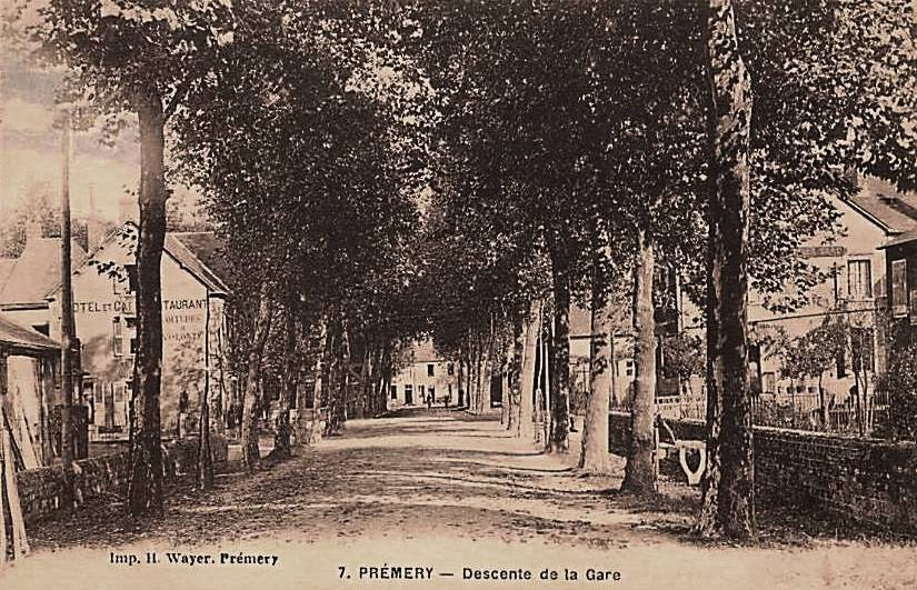 Prémery (Nièvre) La rue de la Gare CPA