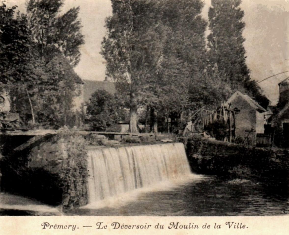 Prémery (Nièvre) Le déversoir du moulin CPA