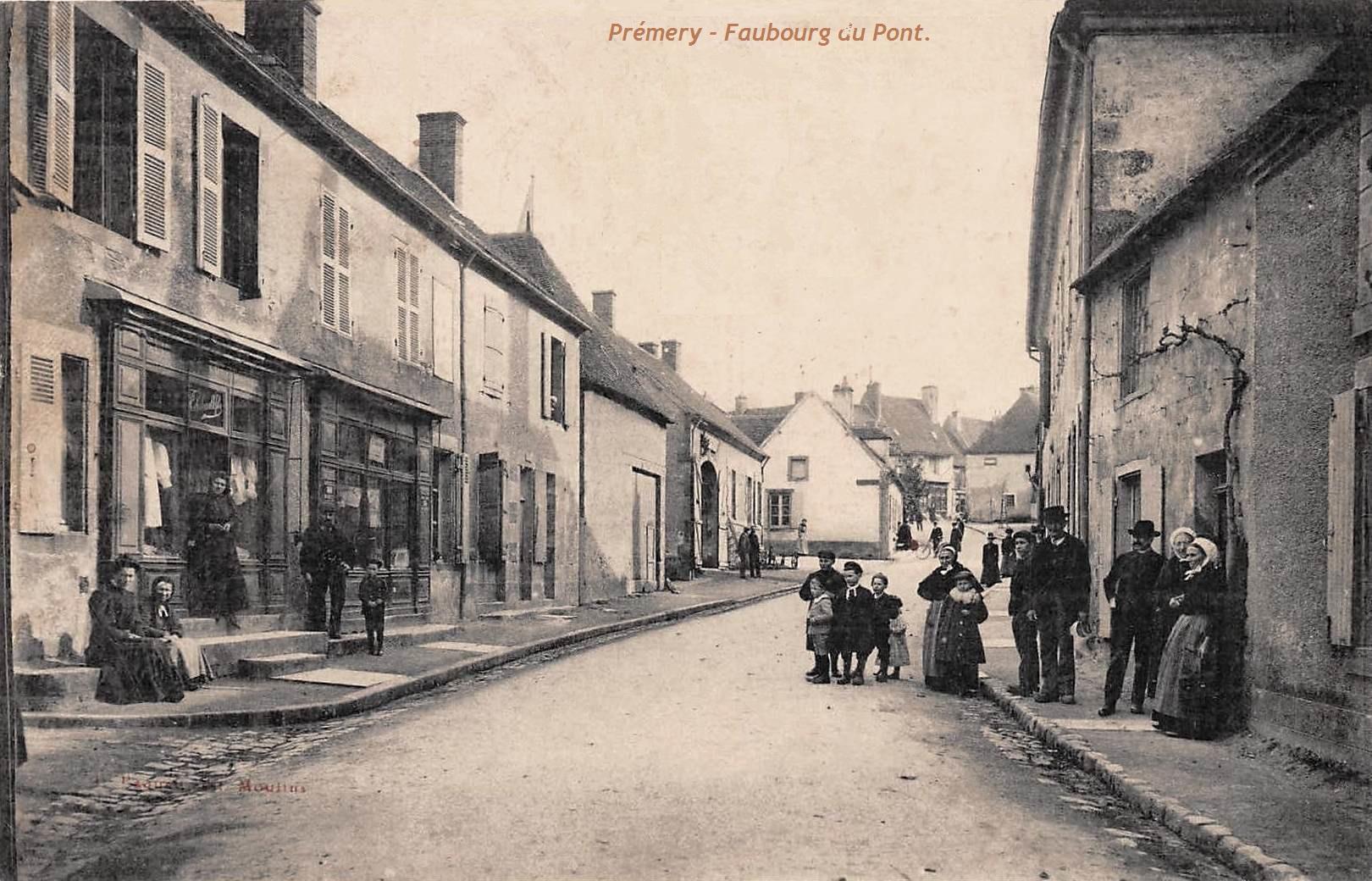 Prémery (Nièvre) Le faubourg du Pont CPA