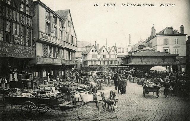 Reims 51 la place du marche cpa