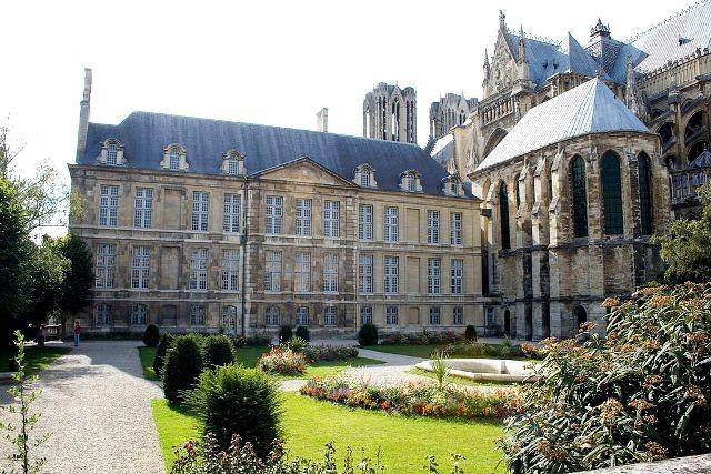 Reims 51 le palais du tau