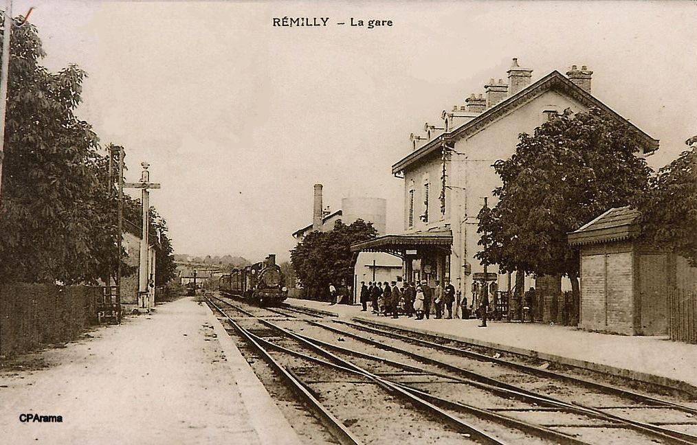 Rémilly (Nièvre) La gare CPA