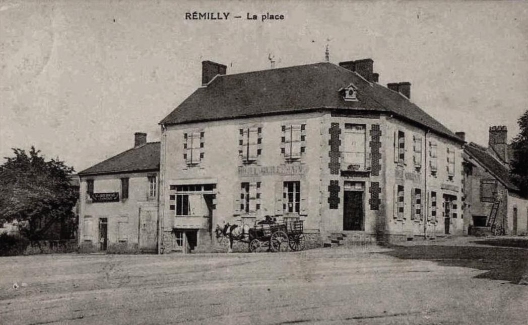 Rémilly (Nièvre) La place CPA