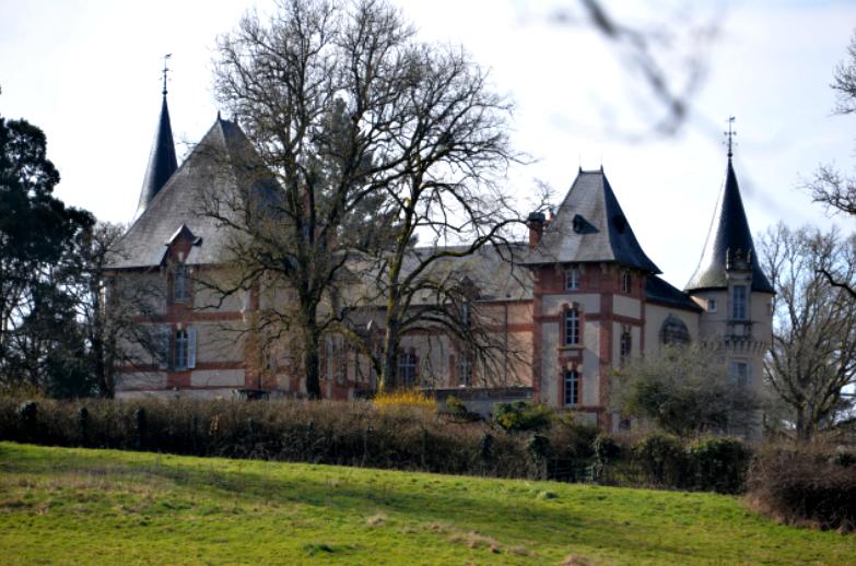 Rémilly (Nièvre) Le château Saint Michel