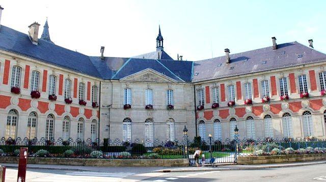 Remiremont 88 l hotel de ville