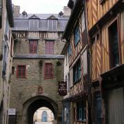Rennes (Ille-et-Vilaine) La Porte Mordelaise, vue arrière