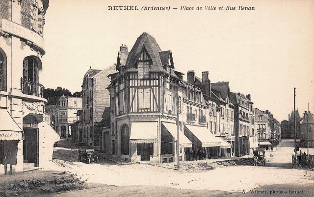 Rethel (08) La Place de Ville CPA