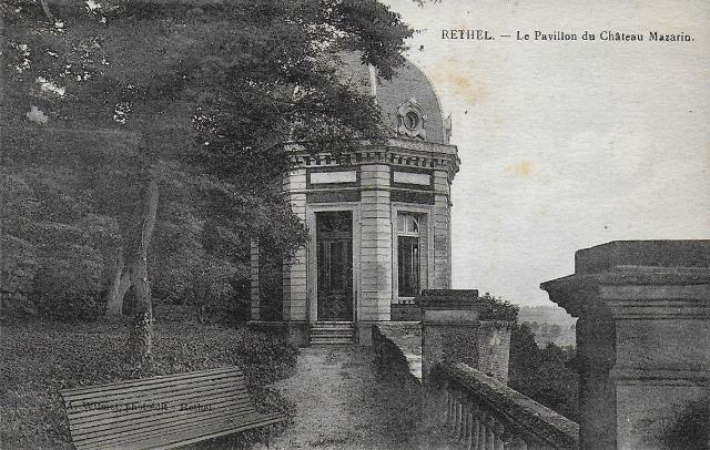 Rethel (08) Le pavillon du château Mazarin CPA