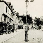 Rethel (08) Les vieilles maisons en 1905 CPA