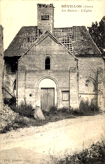 Révillon (Aisne) CPA église en ruines