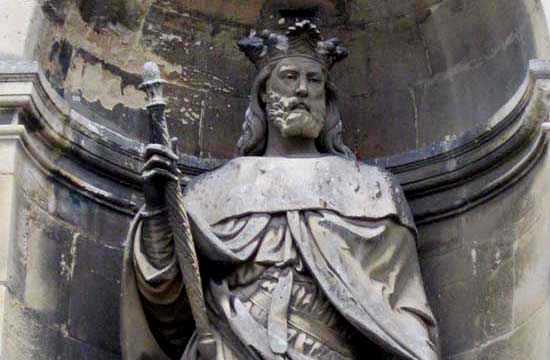 Richard II de Normandie, statue abbaye Fécamp