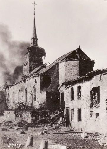 Romagne-sous-Montfaucon (Meuse) 1914-1918, un obus sur l'église
