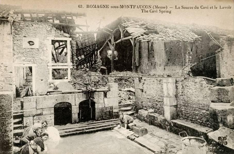 Romagne-sous-Montfaucon (Meuse)  La source du Cavi et lavoir CPA