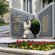 Romagne-sous-Montfaucon (Meuse) Le monument aux morts