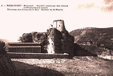 Roquefort-sur-Soulzon (Aveyron) CPA Le rocher Saint-Pierre