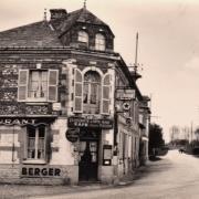Rouville (Seine Maritime) Café CPA