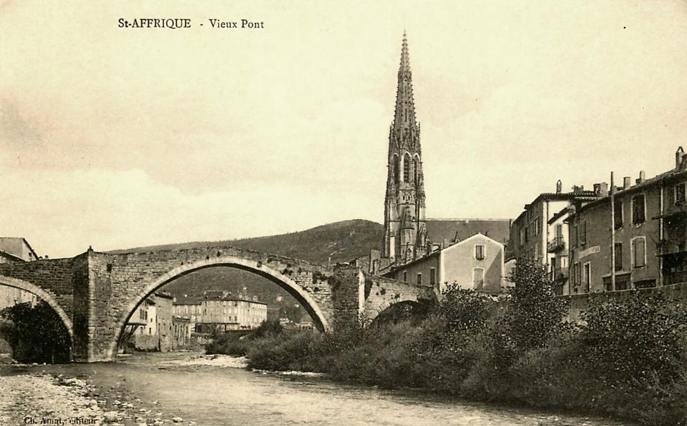 Saint-Affrique (Aveyron) CPA l'église