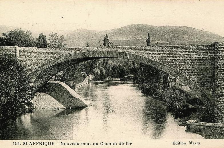 Saint-Affrique (Aveyron) CPA le pont ferroviaire