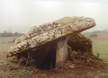 Saint-Affrique (Aveyron) Crassous, le dolmen