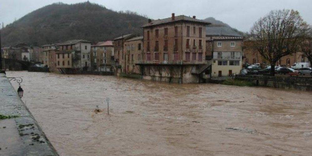 Saint-Affrique (Aveyron) les inondations 2011