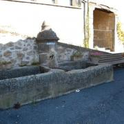 Saint-Affrique (Aveyron) Vailhauzy, la fontaine