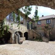 Saint-Beaulize (Aveyron) Le Mas Andral, entrée
