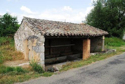 Saint-Beauzile (Tarn) le lavoir