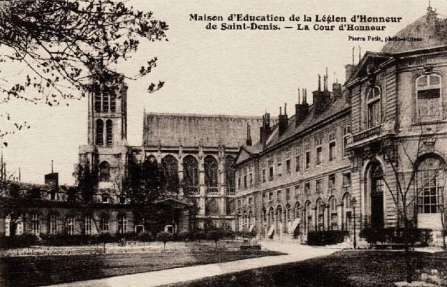 Saint denis seine saint denis la maison d education cour d honneur cpa