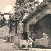 Saint-Félix-de-Sorgues (Aveyron) CPA le lavoir