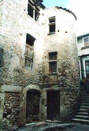 Saint-Félix-de-Sorgues (Aveyron) la tour Inguimbert