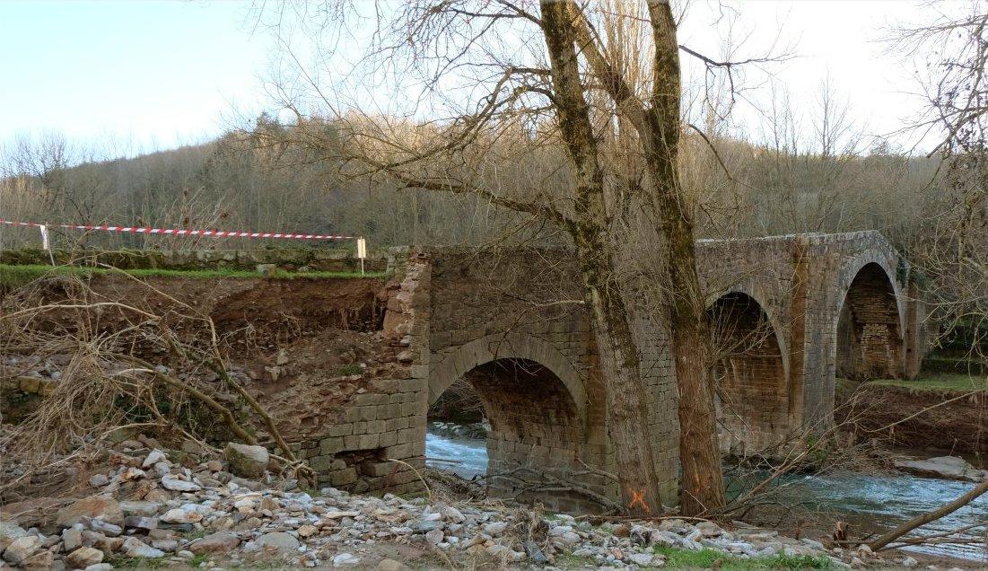 Saint-Félix-de-Sorgues (Aveyron) le pont Vieux en 2014