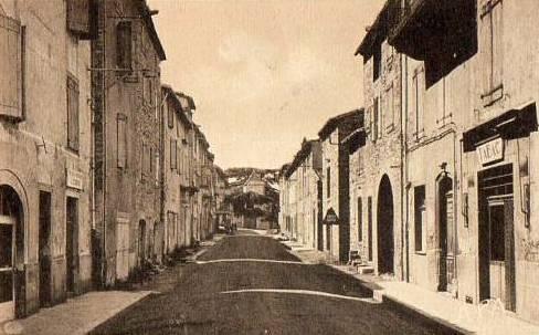 Saint-Georges-de-Luzençon (Aveyron) L'avenue de Millau