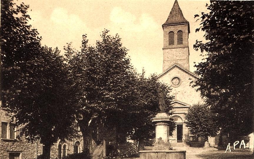 Saint-Georges-de-Luzençon (Aveyron) L'église et la fontaine