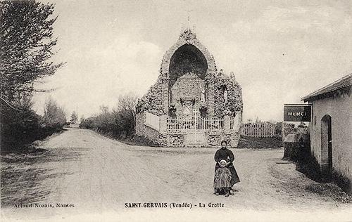 Saint-Gervais (Vendée) La grotte CPA