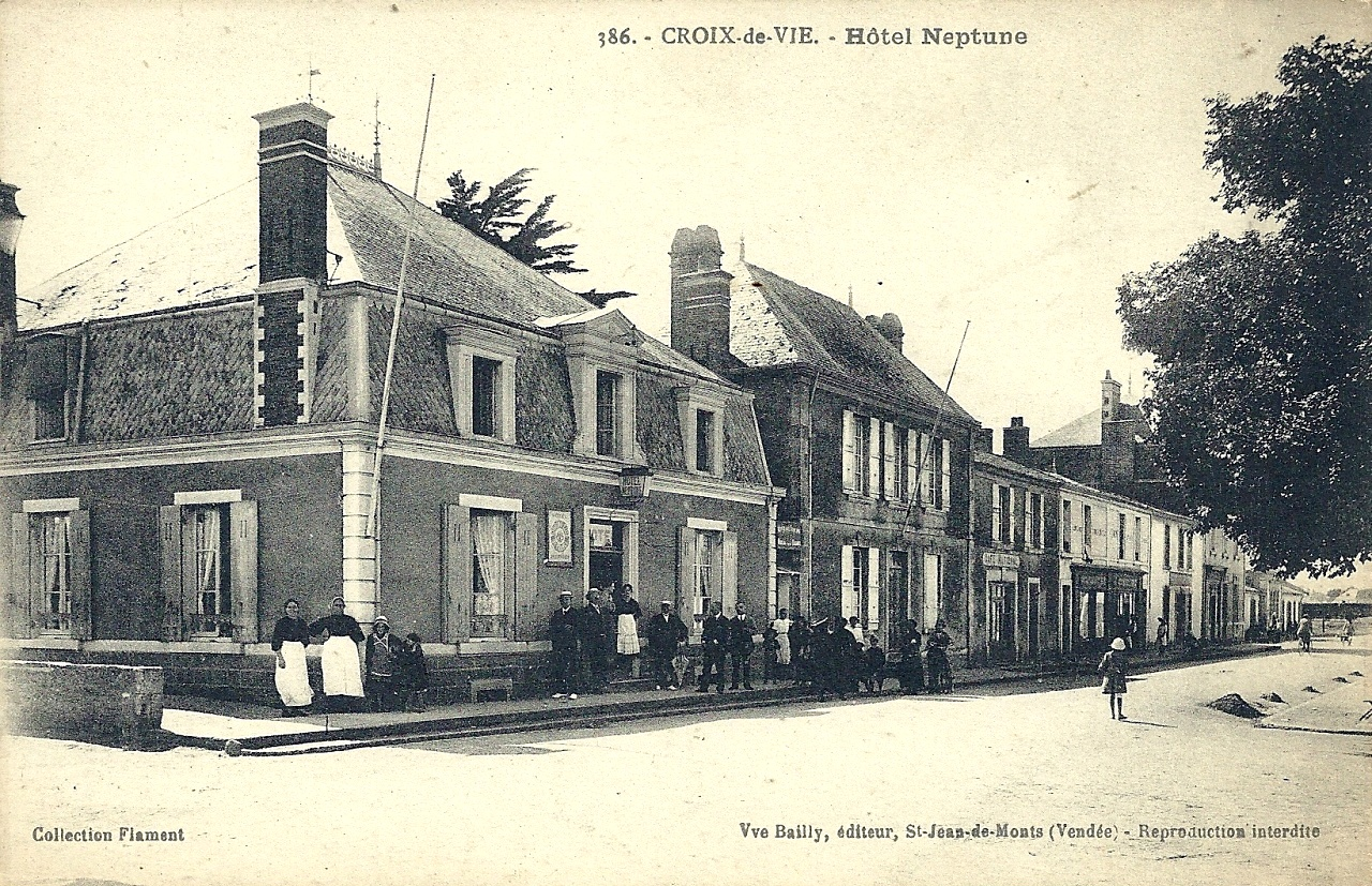 Saint-Gilles-Croix-de-Vie (Vendée) L'hôtel Neptune CPA