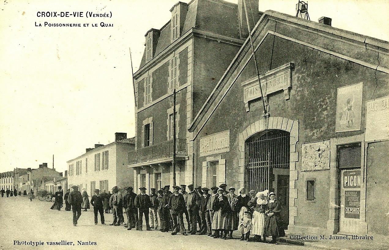 Saint-Gilles-Croix-de-Vie (Vendée) La poissonnerie CPA