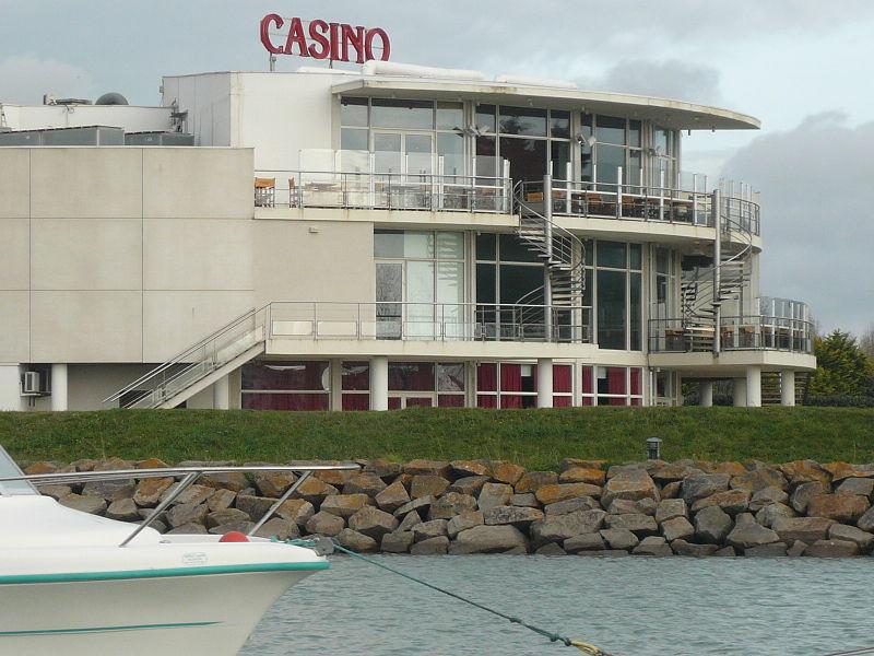 Saint-Gilles-Croix-de-Vie (Vendée) Le Casino en 2008
