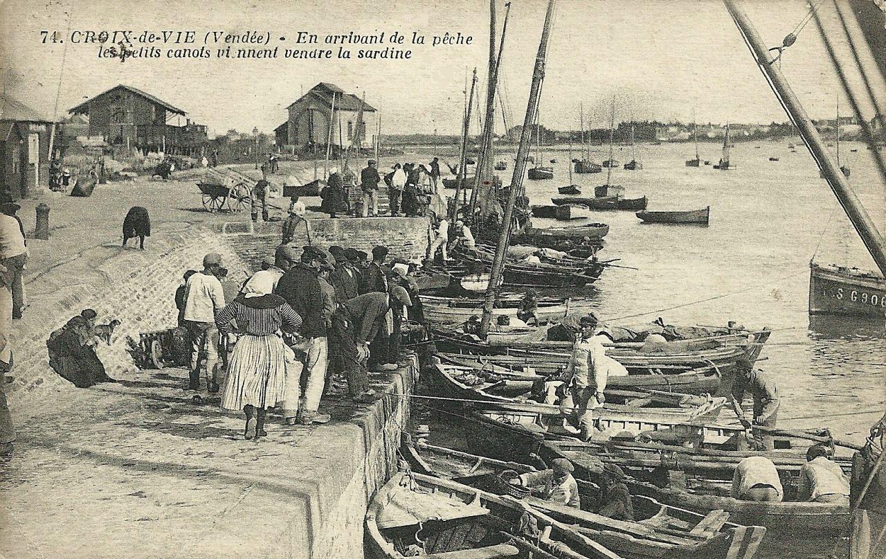 Saint-Gilles-Croix-de-Vie (Vendée) Le port, arrivée de la pèche