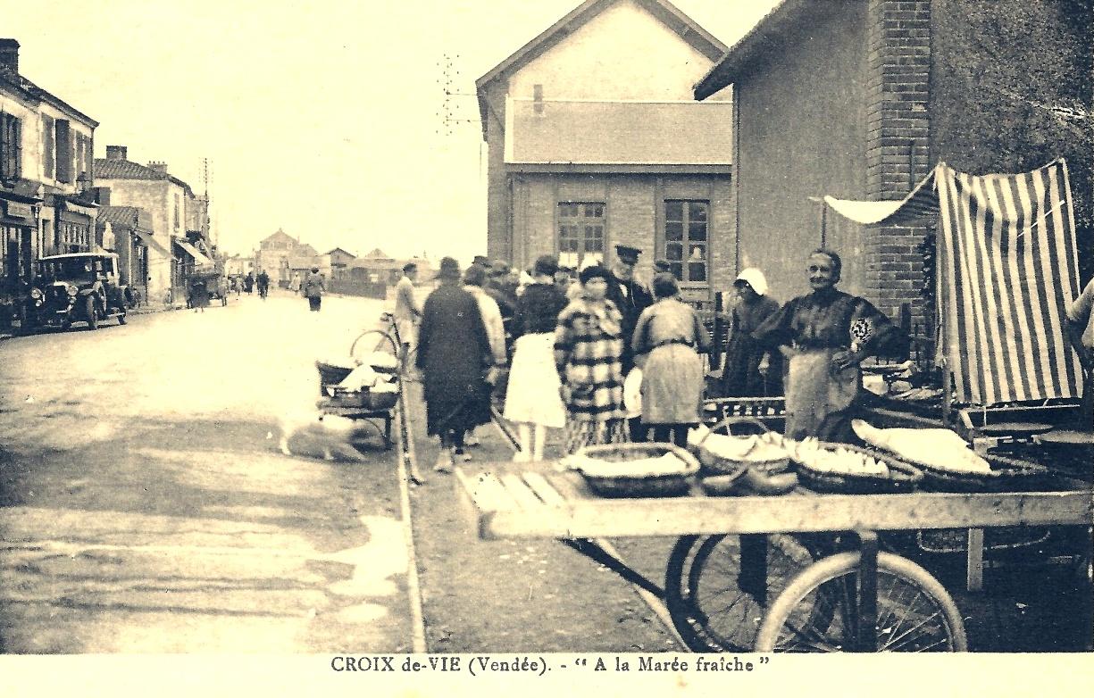 Saint-Gilles-Croix-de-Vie (Vendée) Les marchands ambulants CPA